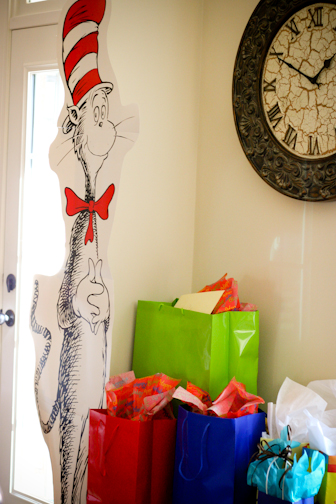 Dr_seuss_birthday_decor_nashville-3